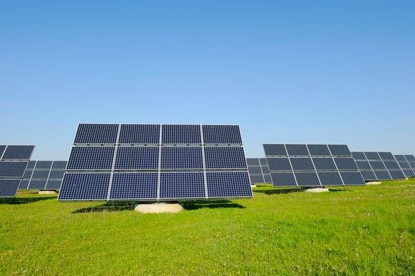 Трекерна сонячна електростанція