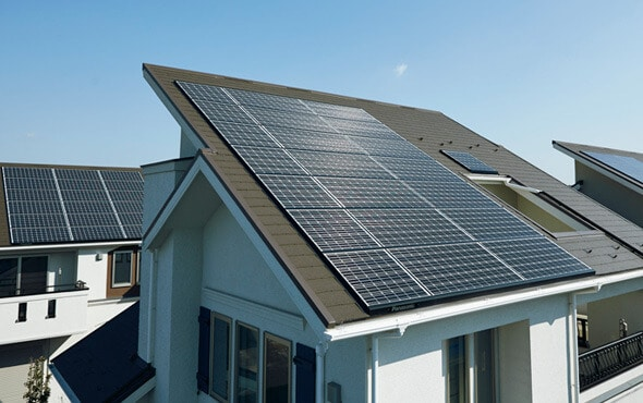Сонячні панелі для дому та котеджу