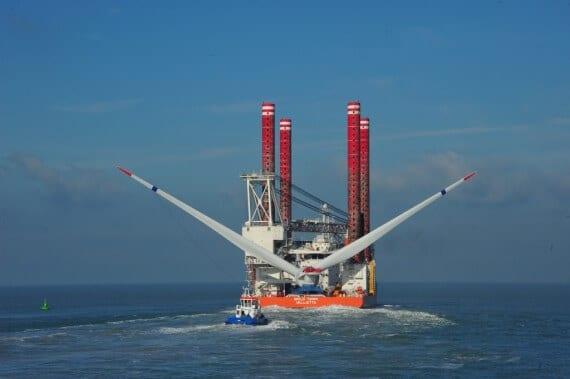 Встановлення морських вітротурбін в США для першого офшорного вітропарку
