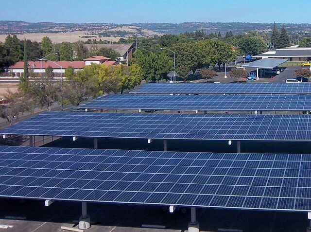 Каліфорнійська школа переходить на відновлювані джерела енергії