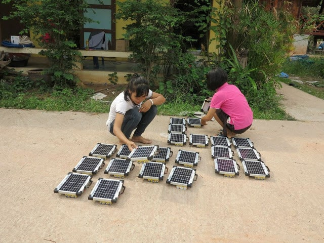 Сонячна школа в Таіланді використовує сонячні панелі