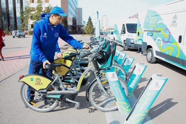 В Астані працює 150 пунктів велопрокату на сонячній енергії