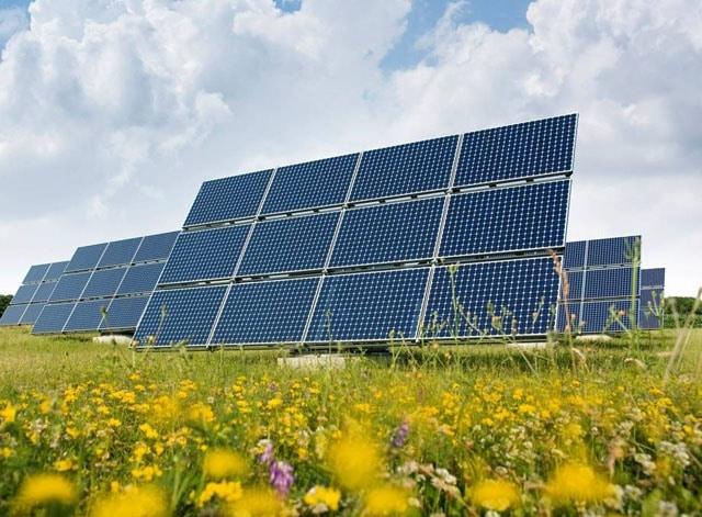 Трекерна сонячна електростанція в США