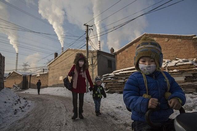 Китай зупинив будівництво 200 вугільних електростанцій