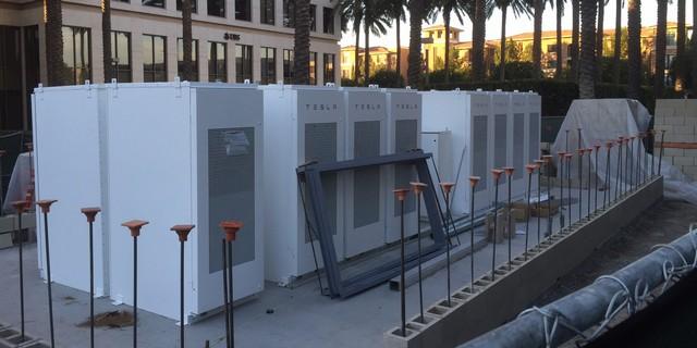 Новий проект Ілона Маска: сонячна енергія SolarCity живитиме будинки у США навіть вночі