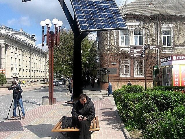 Українські підприємці обіцяють встановити сонячне дерево у Миколаєві
