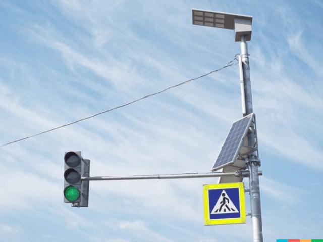 У Хмельницькому збирають підписи за встановлення на світлофорах сонячних батарей