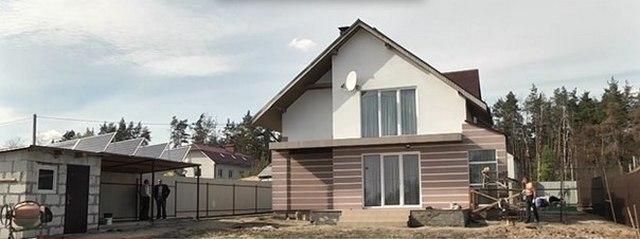 Українець звів на Київщині енергонезалежний будинок, який живиться лише енергією вітру та сонця
