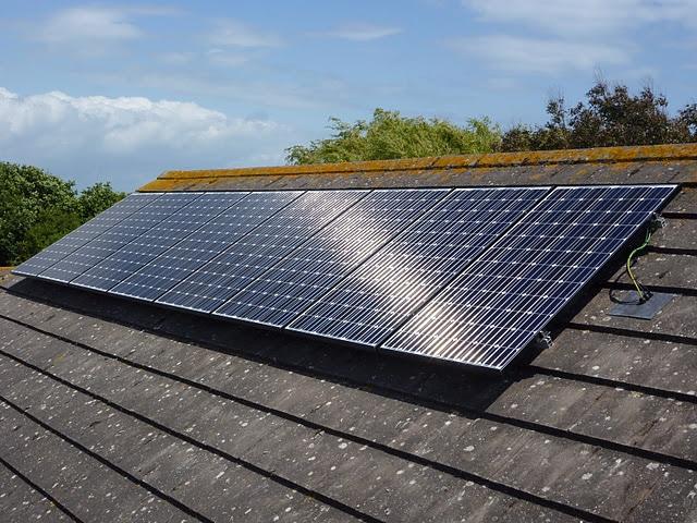 На Сумщині 16 домогосподарств встановили сонячні батареї та продають надлишки енергії за «зеленим» тарифом