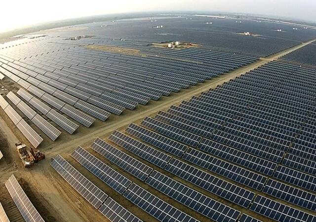У Пакистані збудували найбільший в світі сонячний парк потужністю 1 ГВт