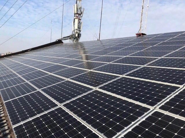 В Івано-Франківську встановили на даху багатоповерхівки сонячну електростанцію потужністю 60 кВт