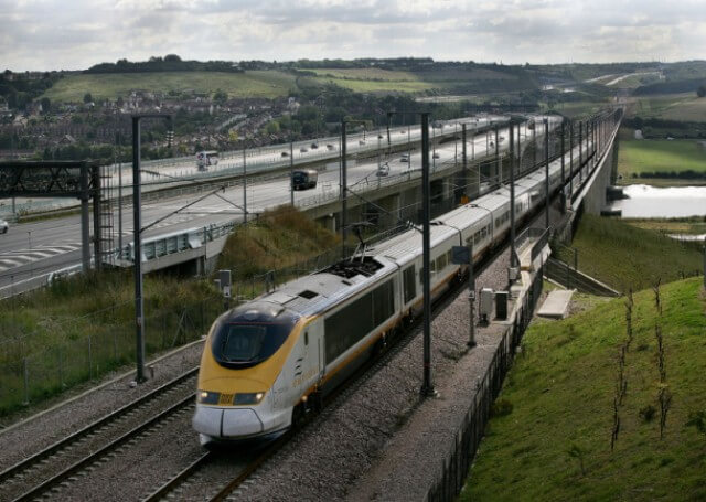 Британці мають намір перевести частину залізниці на сонячну енергію