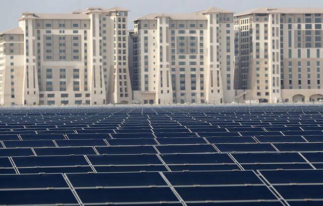 ОАЕ планують інвестувати $163 млрд у відновлювані джерела енергії