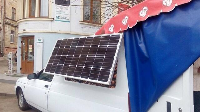 У Чернівцях встановили на кавомобіль сонячну батарею