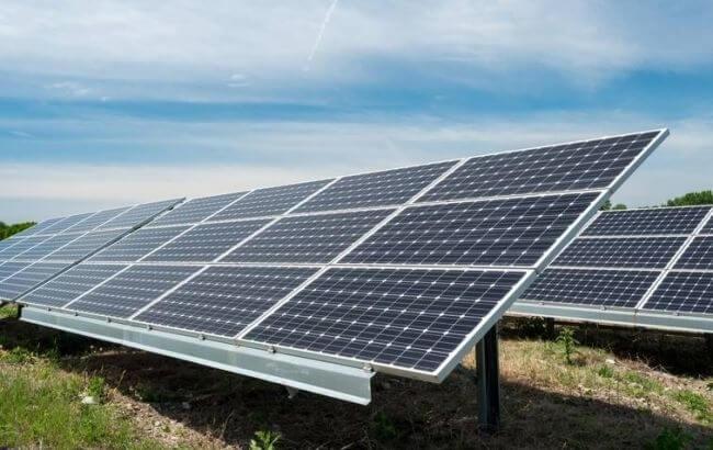 Сонячна енергія залучає інвестицї до України